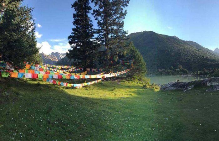 Lungta Prayer Flags at Yihun Lhatso lake
